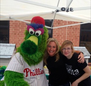 DeeJay Shelly and Philly Phanatic